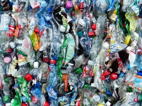 欧盟提议全面禁止一次性塑料品 2025年回收九成塑料瓶